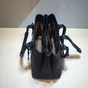 Image 5 - Женские сумки, роскошные сумки, женская дизайнерская кожаная сумка Nu Zhen, сумка на плечо из натуральной кожи, женская сумка