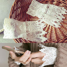 Retro Victorian Masquerade Gothic Wrist Band Vintage Lace Cuff Wristband Detachable Sleeves for Womens Coat