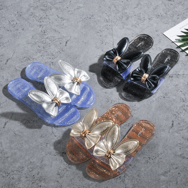 8e35b8d7ace3 Chaussure femme woman slippers jelly sandals gold silver slippers cute  cartoon sandals ladies beach shoes bling
