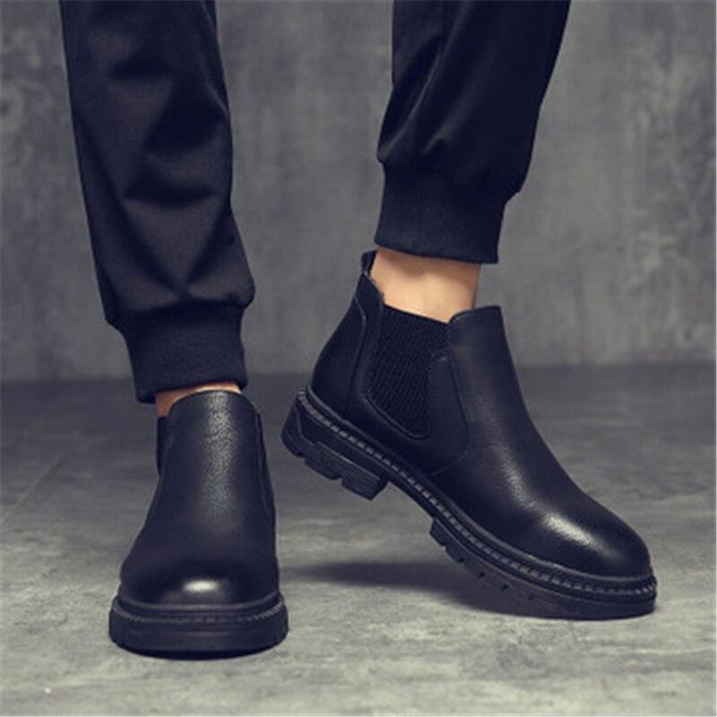 192436f49 Estilo britânico Slip On botas Chelsea Tornozelo Moda botas sapatos Masculinos  botas hombre Homens Da Motocicleta botas erkek bot 02A em Botas Chelsea de  ...