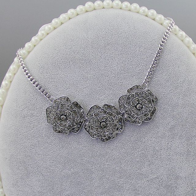 New Personality High Quality 3 Layers Full Rhinestone Rose Flower Antique Silver Plated Charm Necklace, Item No.:  N4491K2