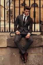 2017 Latest Coat Pant Designs Gray and Burgundy Tweed Man Suit Classic Custom Made Suits Jacket Formal 2 Pieces Tuxedo Terno S