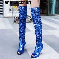 Модные блестящие высокие сапоги женская обувь 2019 г. пикантные расшитые блестками облегающие каблук выше колена женские боты с открытым нос...