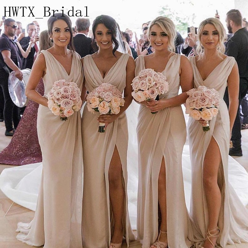 Champagne Chiffon Bridesmaid Dresses Cheap 2018 V Neck A Line Sleeveless Long Floor Length Plus Size Country Wedding Guest Dress