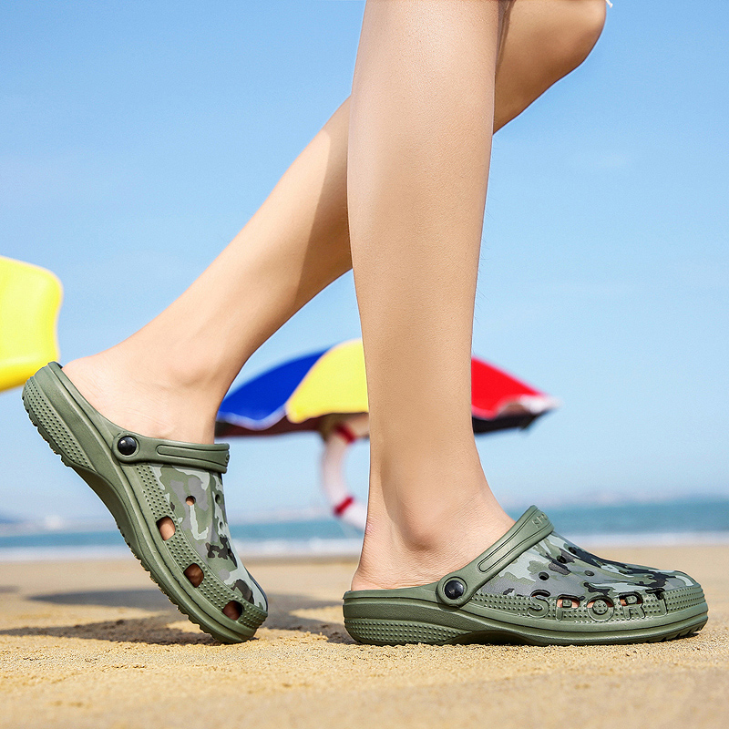 2019 Aqua Shoes Men Water Shoes Hollow Breathable Beach Sandals Slippers Sea Shoes Light Quick Drying Barefoot Sneakers Men in Upstream Shoes from Sports Entertainment