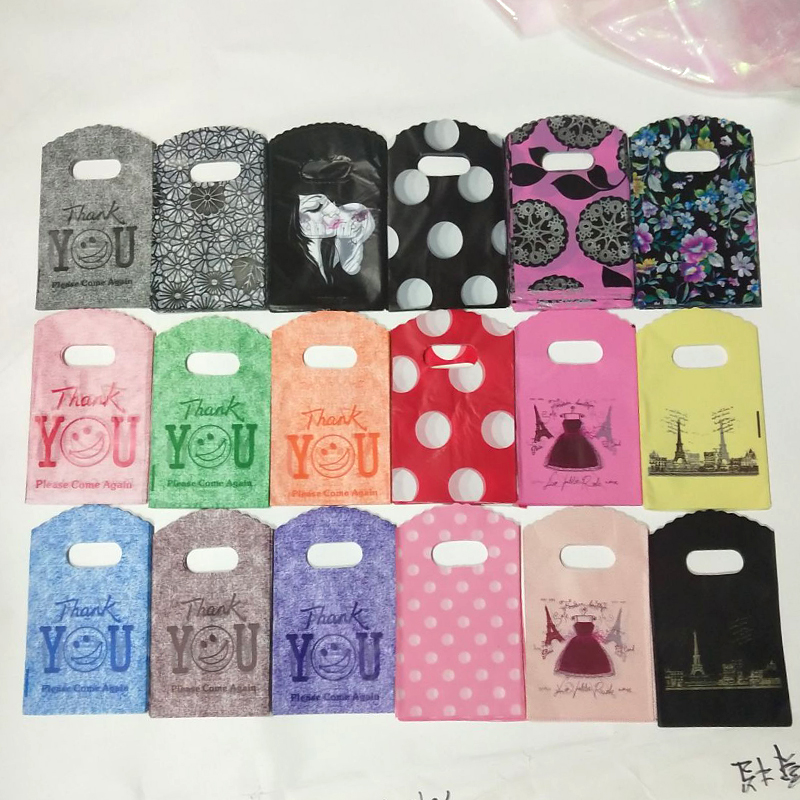 50pcs/lot Colorful Plastic Bags 9x15cm Many Style To Choose With Handle Gifts Candy Packaging Bags For Jewelry Necklace Storage