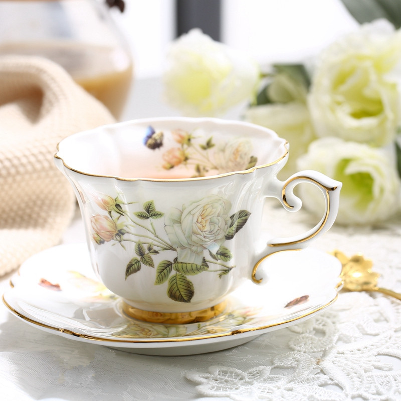 Boreal Europe Style Bone China Porcelain Coffee Cup Pastoral White Rose English Afternoon Teacup Cup and Saucer Set Gift Box