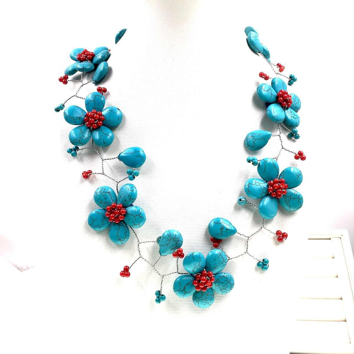 2018 Sell like Hot Handmade Blue Turquoises Red Coral Flower Choker Necklace Boho Party Jewelry Female