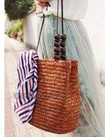 2018 novo palha de trigo tecido bolsa de praia grande capacidade das mulheres saco do punho de madeira do grânulo bolsa de palha de trigo de alta qualidade de seda cachecol