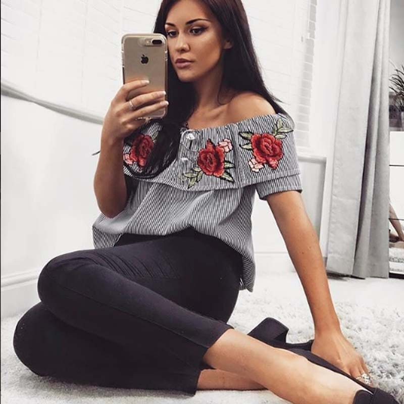 New 2018 Summer Sexy Off The Shoulder Tops For Women Casual Short Sleeve Hot Slash Neck Embroidery Loose Blue Striped Strapless