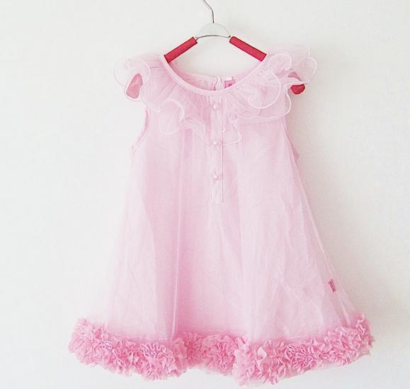 Просвет девушек в платьях