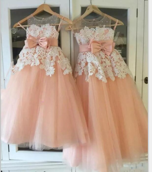 2018 Princess Tutu Dress Flower Girls Dresses With Sheer Neckline Sash Bow Lace Appliques Pageant Dress Kids Cloth