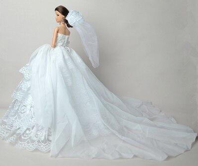 Robe de mariée pas cher pour poupée barbie