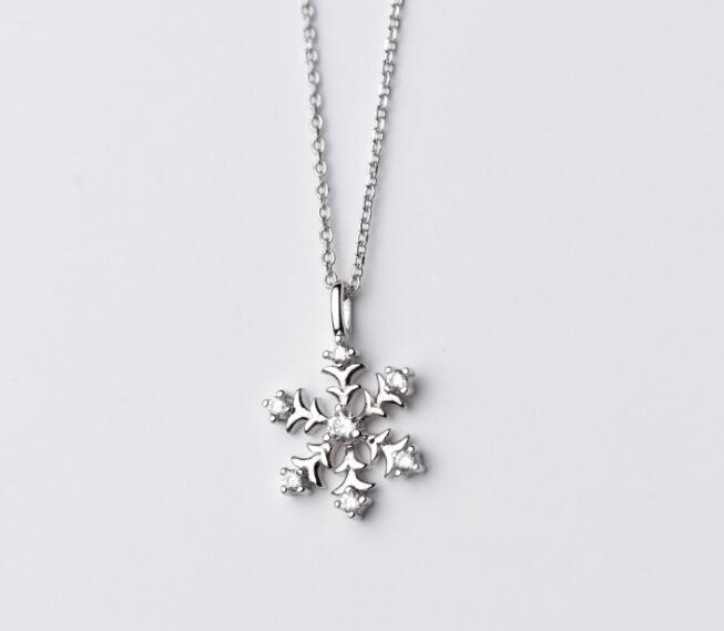 new Clear White CZ Stone Snowflake Necklace pendant Real. 925 Sterling Silver Fine Jewelry Gift good quality GTLX1557