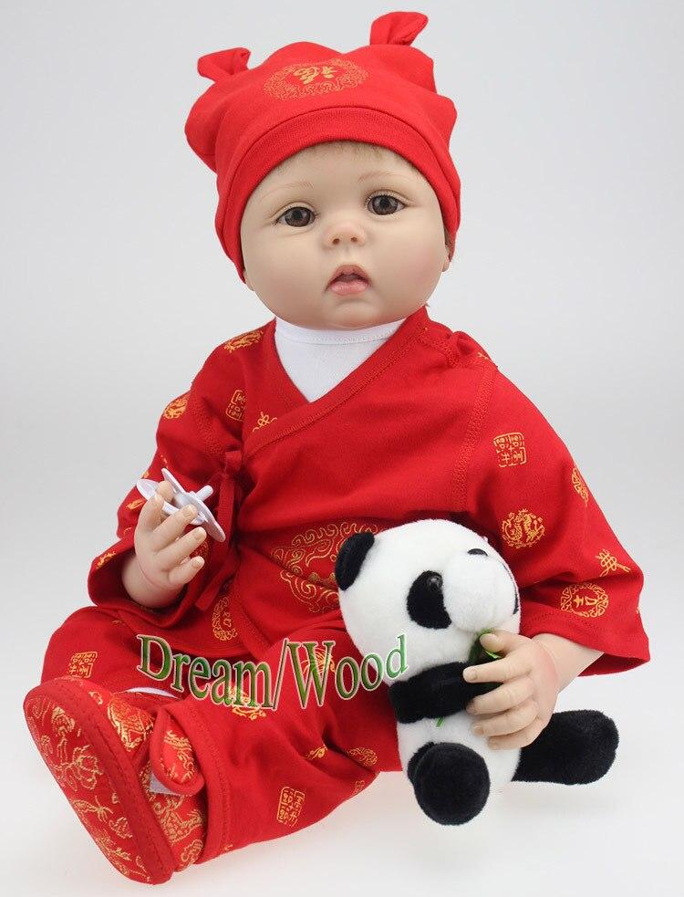 2abe5c7e3a6a7 جديد 55 سنتيمتر سيليكون reborn baby doll vinil هيئة دمية الصين reborn دمية  يأتي مع الباندا الأحمر بوي الطفل brinquedos عالية الجودة هدية