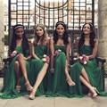Strapless Uma Linha Vestido Da Dama de Verde Esmeralda do vintage Wwith Racha Frente 2017 Robe Demoiselle D'Honneur Vestido