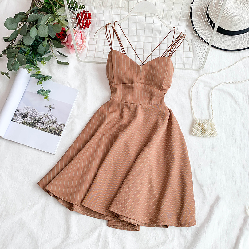TAOVK Woman Summer Backless Dress Retro Striped V-neck Chest Pad Thin A Line Fluffy Big Swing Dress