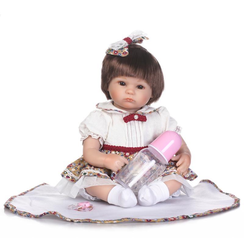 45 cm silicone reborn baby dolls main réaliste Poupée nouveau-né bébés filles D'anniversaire cadeaux beconas brinquedos