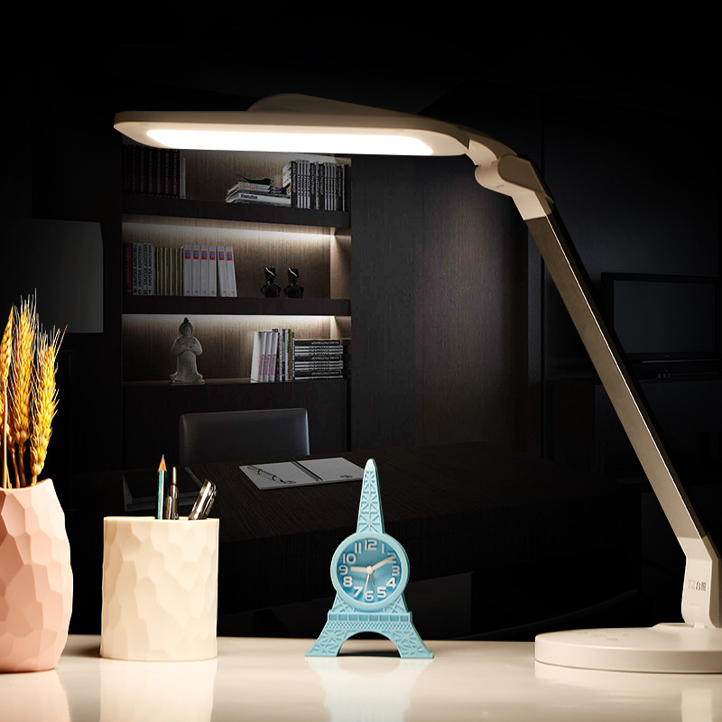18W anti-blue Eye-Care LED Desk Lamp Foldable Dimmable Rotatable LED Touch-Sensitive Controller USB Charging Port Table Lamp new led table lamp 12w foldable 7 levels dimmer rotatable eye care led desk lamp touch sensitive controller usb eu us plug