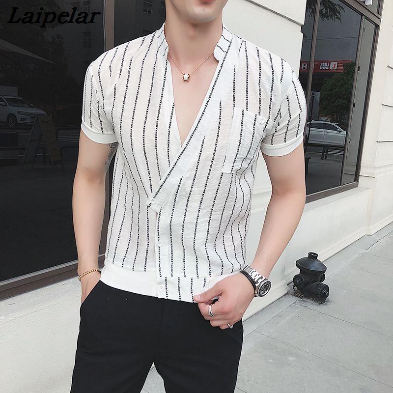 ed19dd0d23e85 Camisa Masculina białe koszule męskie paski modne koreańskie ubrania męskie  głęboki dekolt w serek koszulki z