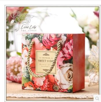 50Pcs/Lot PASAYIONE Luxury Floral Hand Bags With Handles Creative Gift Favors Bag Paper Bags Packaging Boxes Table Centerpieces