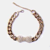 2017 estilo Caliente cristales grandes de metal bowknot charm colgante plástico enlace cadena gargantilla collar de moda de joyería para la señora