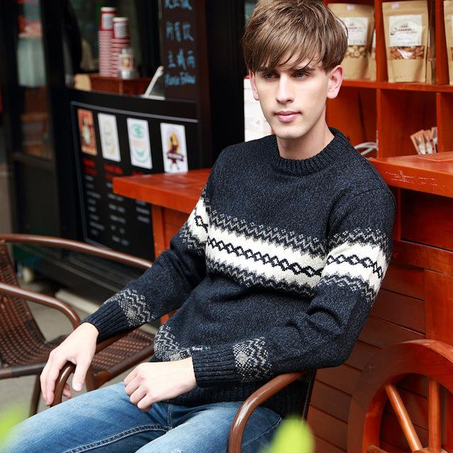 Chegam novas Outono Inverno Dos Homens Camisola Da Juventude O-Gola de Malha Camisola De Lã Quente Longo Geométrica Suéter de Lã Colorido