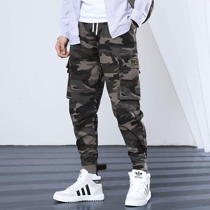 Fashion Streetwear Men Jeans Loose Fit Big Pocket Cargo Pants Hombre Slack Bottom Hip Hop Pants Japanese Style Joggers Pants Men