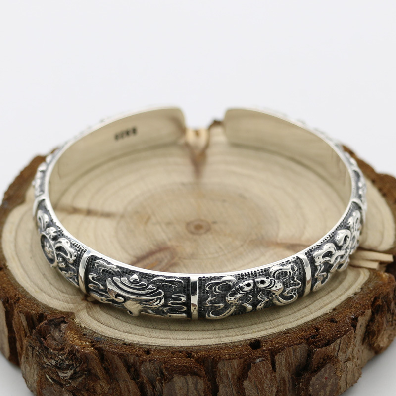Vintage Style Classical S925 Sterling Silver Lotus Embossed Fashion Men And Women Retro Thai Silver Elegant Open Ended BangleVintage Style Classical S925 Sterling Silver Lotus Embossed Fashion Men And Women Retro Thai Silver Elegant Open Ended Bangle
