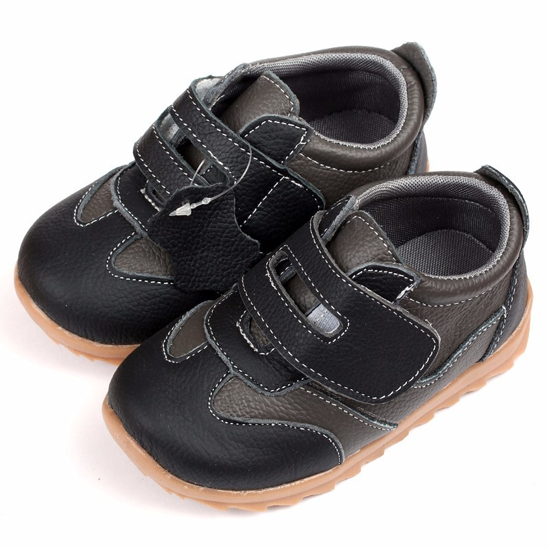 Buy shoes that adjust to baby's foot: Laces, Velcro and snaps that you can adjust help keep feet better in place Try to find a pair baby likes! If your little cutie tries to take her shoes off, test a bunch of different styles -- you may just find one she actually keeps on!