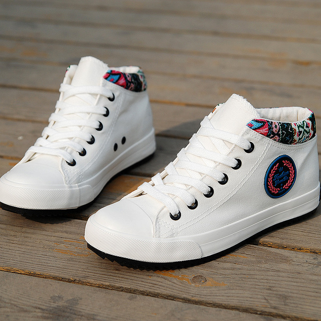 Womens White Shoes 2016 Breathable High top Outdoor Casual Shoes Women Thick Sole Height increase Canvas Shoes Summer Trainers