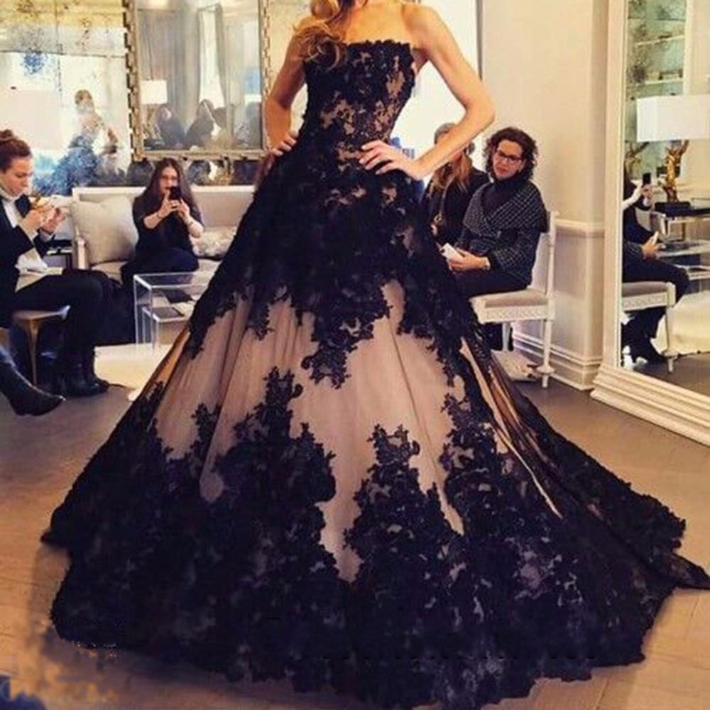 2019  Vintage Gothic 1950s Black Ball Gown Wedding Dresses Non White Sweetheart Princess Non Traditional Bridal Gowns Custom