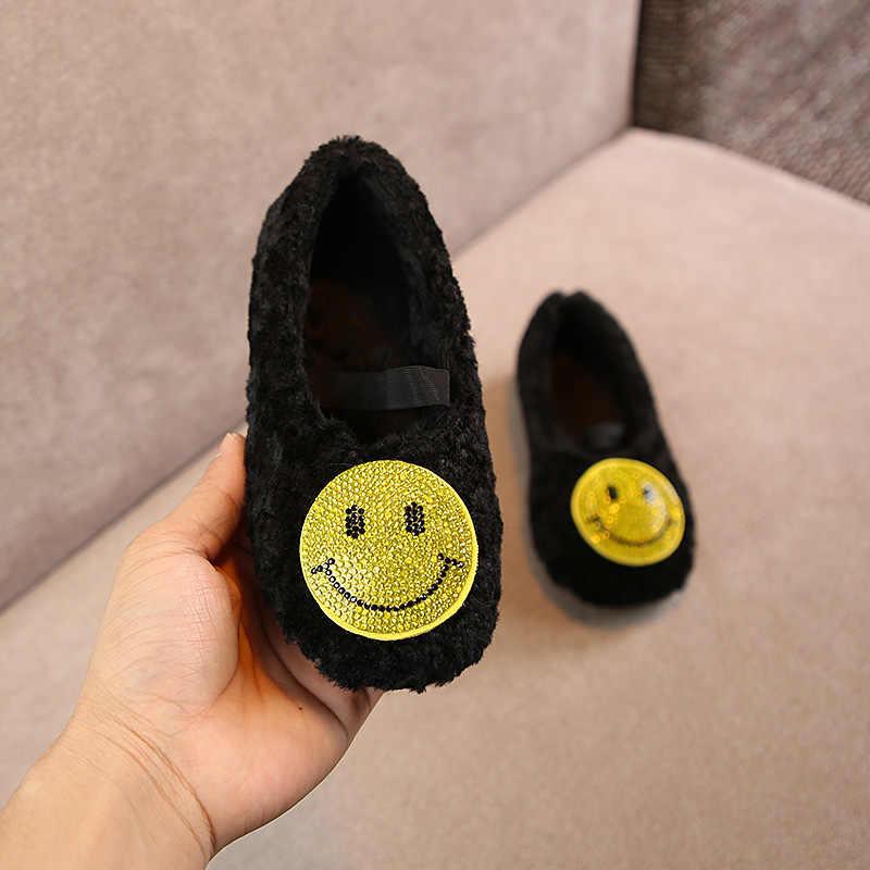 Halozeroo зимние для маленьких девочек меха черная обувь Малыш мягкие Лоферы модные детские теплые Туфли без каблуков детские мокасины бренд горный хрусталь обувь