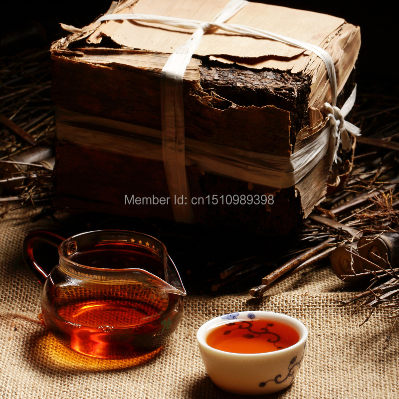 The real 1968 year More than 45 years old pu er tea health care Puer tea weight lose pu erh decompress pu'er brick Puerh the tea