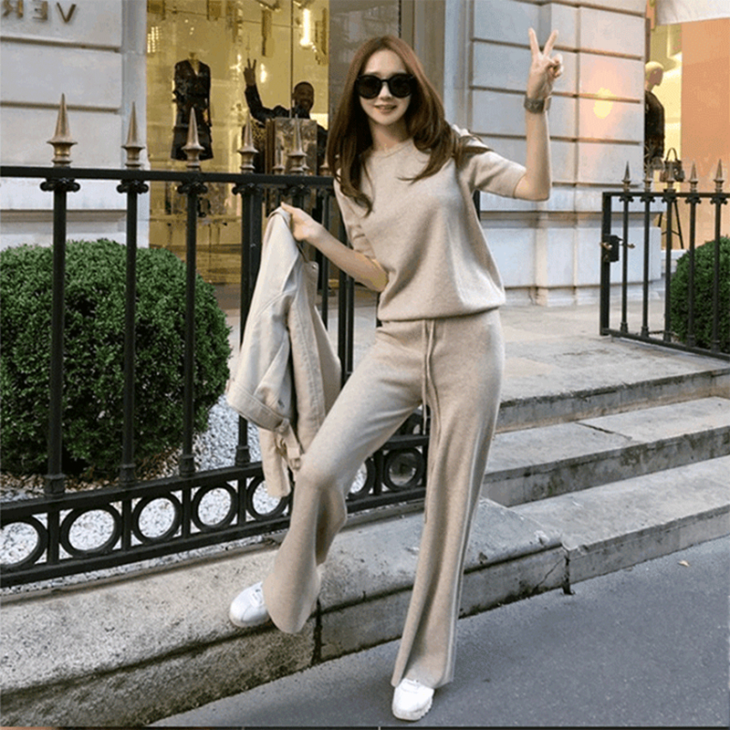 2018new soft comfortable cashmere pants female Solid color knitted wide leg pants Casual Loose Knitted wool trousers women Suits