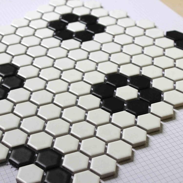 Black Mixed White Color Hexagon Ceramic Mosaic Tiles For Living Room Bathroom Shower Tiles Kitchen Backsplash