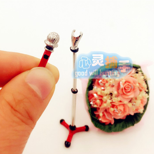 Cute Mini Metal Microphone Model 1 12 Doll House Dollhouse Miniature Furniture Accessories