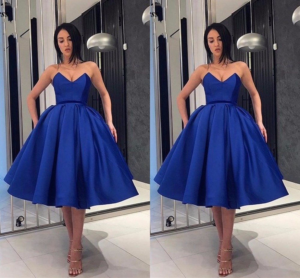 Simple Royal Blue Bridesmaid Dresses 2019 Strapless Ball Gown Knee Length Sleeveless Prom Gowns Wedding Guest Party Dresses