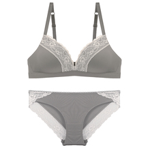 No steel ring, thin triangle cup, big chest, small comfortable lady bra set.