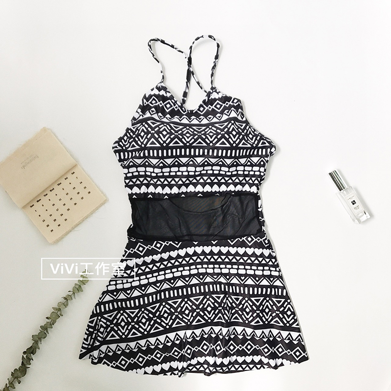 цена Folk style retro sexy backless skirt bikinis Siamese cover belly thin strap swimsuit female temperament beauty онлайн в 2017 году