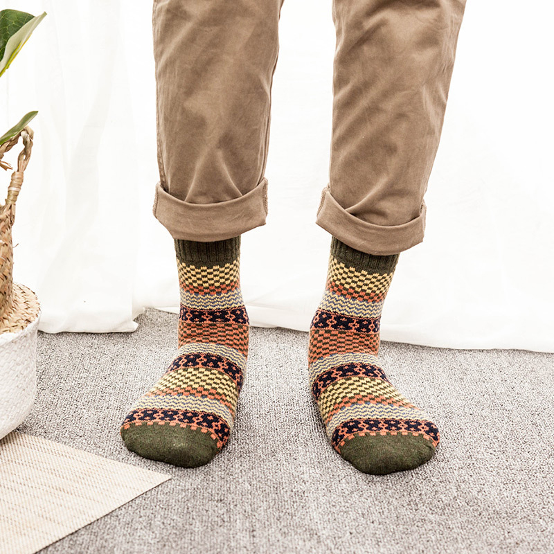 1Pair Men Thick Sock for Autumn Winter Fashion Keep Warm Short Christmas Comfortable Colorful Male Ankle Socks