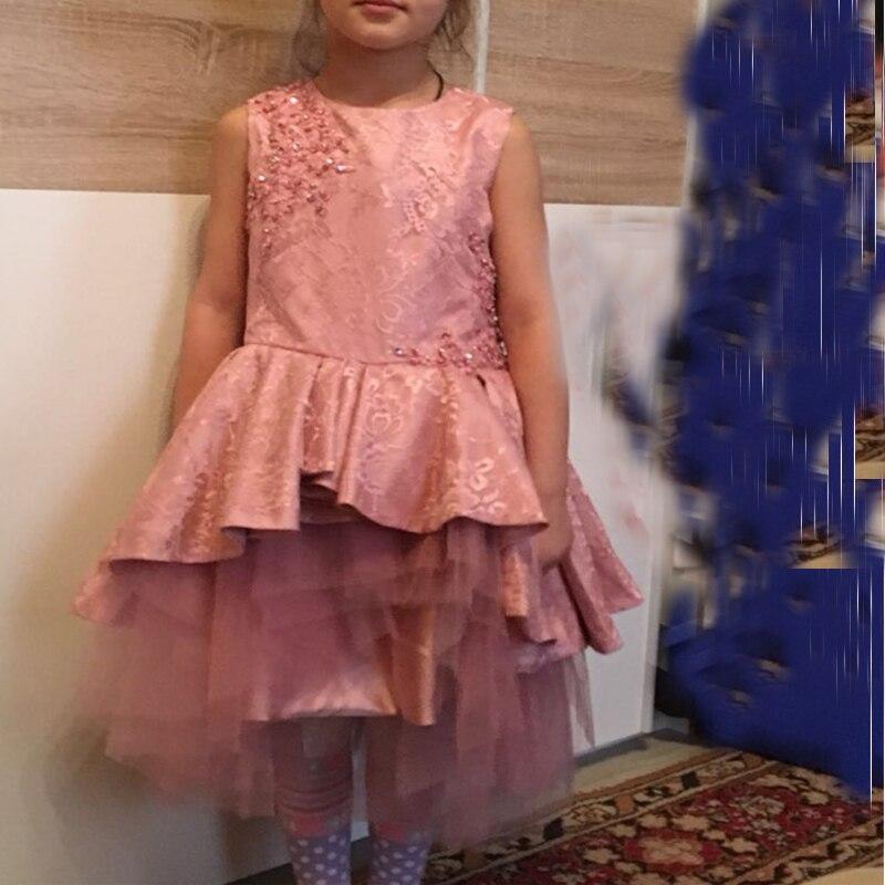 c8231ca6bec7 Lace Knee Length Abiti Da Prima Comunione per Le Ragazze Cerniera Vestiti  Da Madre Figlia Drappeggiato Tulle Rosa Rustico Fiore Ragazza Abiti in Lace  ...