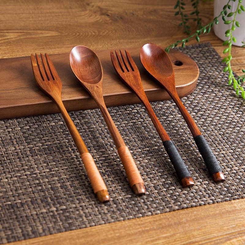 2vnt medinių šaukštų šakutės stalo įrankių rinkinys Stalo įrankiai ilgai valdomi medienos sriubos šaukštai salotos dykumos šakutės stalo įrankiai medžio virtuvės reikmenims