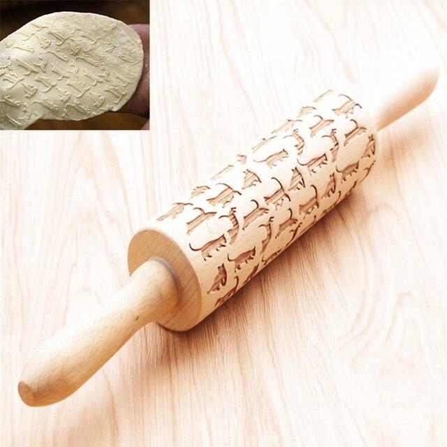 rouleau p tisserie en bois pour mastic goupille gaufrage avec motif chat rouleau p tisserie. Black Bedroom Furniture Sets. Home Design Ideas