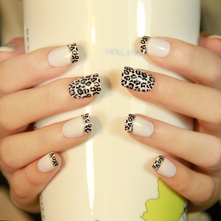 Shipping New Manicure Nail Art False Nails Patch Moon Designs Square Short