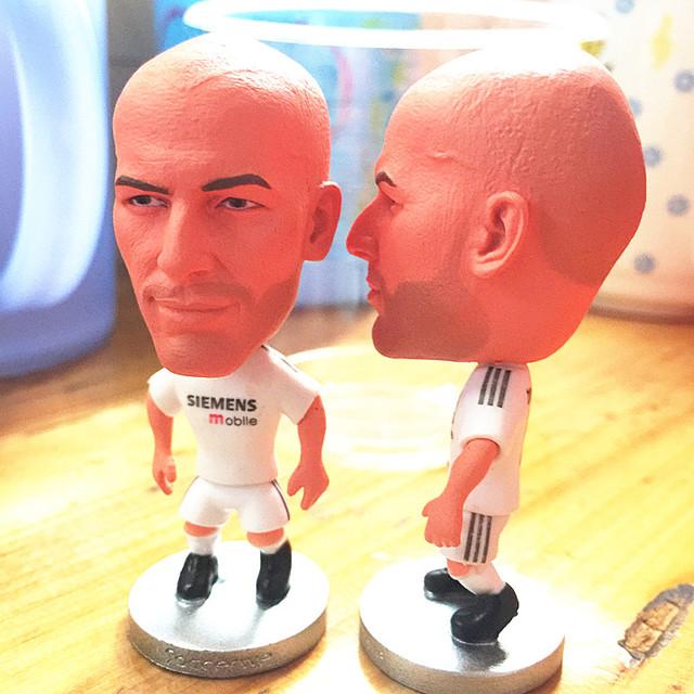 Classic Series 6.5*3.5 cm Resin Soccer Star 5 Zidane Doll White (RM)