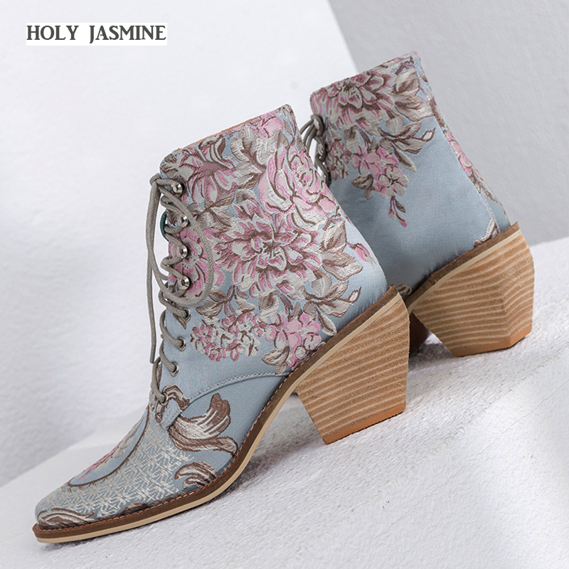 2019 Spring Autumn Newest Ankle Boots Women Chinese Style Embroider Fashion Boots Lace Up Ladies Shoes