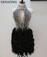 2019 роскошные стразы с высоким воротом платье с цветными перьями снизу и черным верхом Вырез «капля» открытая спина 3D Цветы Черный Короткое
