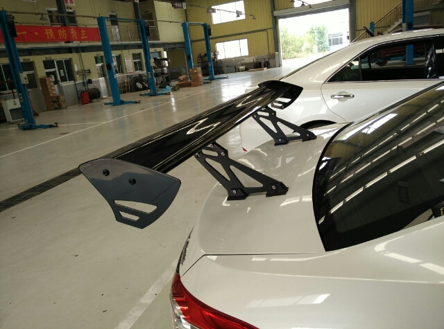 Universal Type V Adjustable Angle Black Double-Wing Aluminum GT Style Spoiler