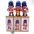 Hojalata reloj Retro juguetes estaño reloj clásico banda militar A grupos de tres Rare collectibles
